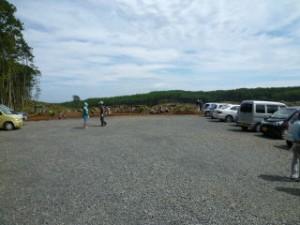 ここは土砂受入れ場所区域内に、遺跡が3か所あります。今回駐車場になった区画は、発掘が先に終了した青野滝北Ⅱ(あおのたききたに)遺跡だった場所です。