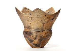 後期 深鉢 長倉I遺跡(軽米町) つるつるに見えるところが磨いている部分です。