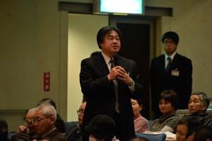 報告会終了後、山田康弘先生より講評をいただきました。先生のお話を聞いて、来年度も調査にさらに邁進していきたいと思いました!