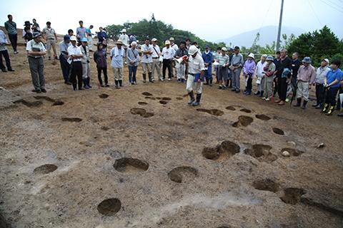 縄文中期の竪穴住居跡