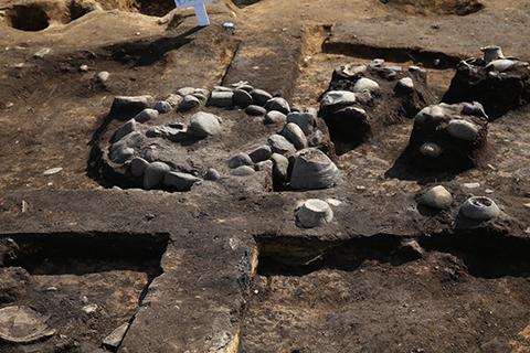 炉石と土器